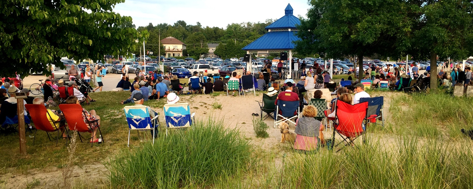 Live band at the bandshell in Port Elgin